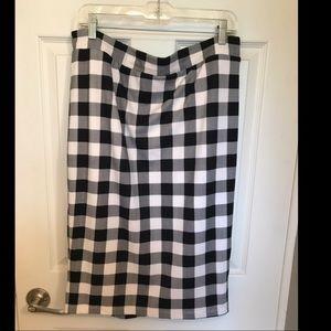 Black and white checkered pencil skirt